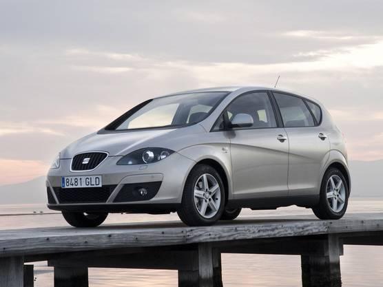 Vom 2004 bis 2015 wurde der Kompaktvan Seat Altea produziert, ab 2006 auch in der knapp 20 Zentimeter längeren XL-Version. Seinen Namen verdankt das Modell einer kleinen Küstenstadt an der Costa Blanca, etwa 50 Kilometer nordöstlich von Alicante.