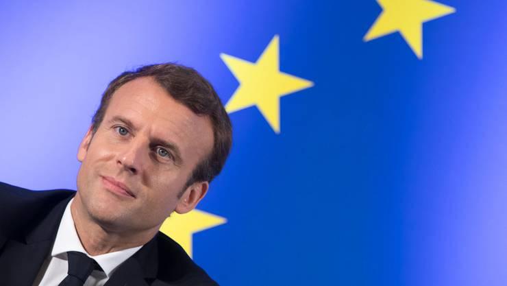 Frankreichs Staatspräsident Emmanuel Macron hat auf Kritik an seiner Weihnachtsfeier bei Schloss Chambord mit Unverständnis reagiert. (Archiv)