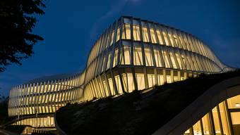 Inspiriert von Sportlerinnen und Sportlern in Bewegung: der neue Hauptsitz des Olympischen Komitees in Lausanne.