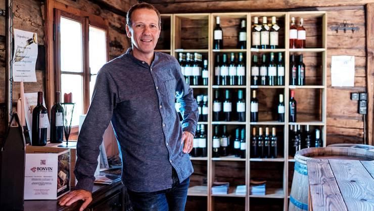 Christophe Bonvin in den Verkaufsräumen seines Weinguts in der Nähe von Sion.