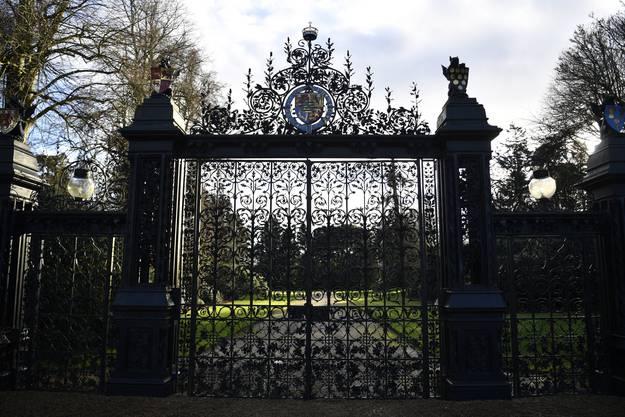 Hinter verschlossenen Toren: Königin Elisabeth II hat einen Krisengipfel im Königsschloss von Sandringham einberufen.