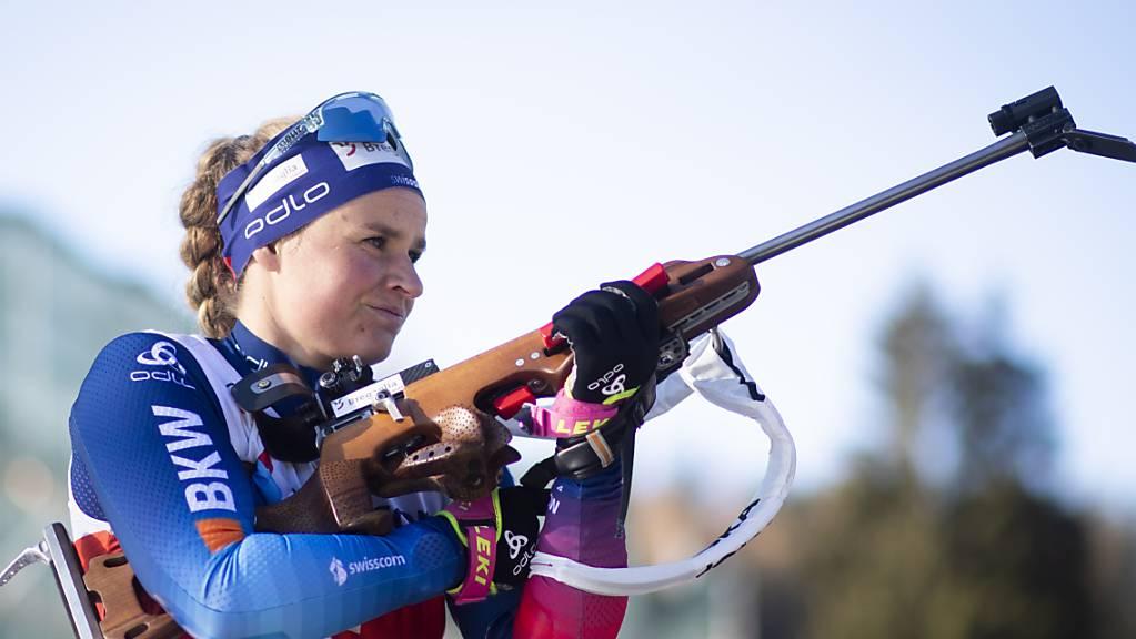 Irene Cadurisch zählt im Schiessstand zu den Besten.