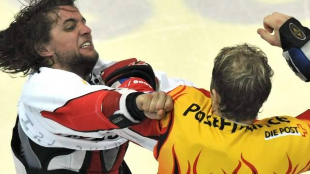 Der Boxkampf vor dem Anpfiff: Biel-Topskorer Nüssli vs. Rüfenacht