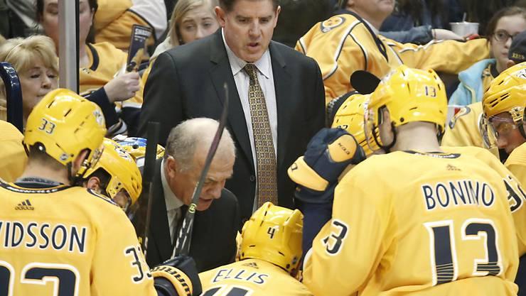 Peter Laviolette (Bildmitte) wurde als Trainer der Nashville Predators entlassen