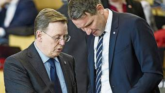 Der Linke Bodo Ramelow und der AfD-Politiker Björn Höcke im Thüringer Landtag.