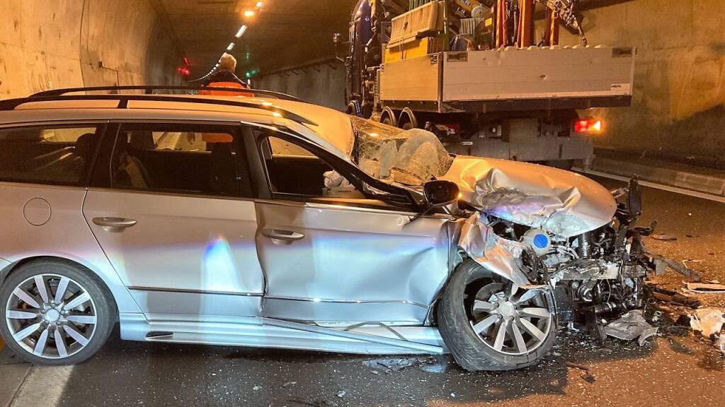 Autofahrer bei Auffahrunfall im Kerenzerberg-Tunnel verletzt