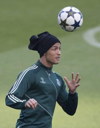 Das vielzitierte Haargel hat der Portugiese unter einer Mütze versteckt. Aber was für eine Mütze!