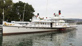 Das Gastro-Angebot auf einigen Kursen der Zürichsee Schifffahrtsgesellschaft wird gestrichen. Grund dafür ist das Coronavirus und die entsprechend tiefen Passagierzahlen. (Archivbild)