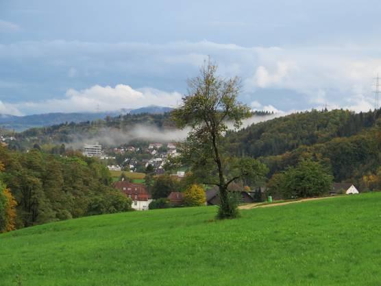 Es hat auch die Wolken, dann später wieder die Sonne, einfach der Herbst bei uns in der Gegend.