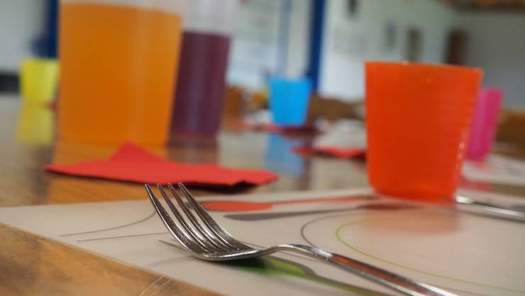 Ab Februar 2019 zahlen Eltern für den Mittagstisch zwischen 15 bis 26 Franken. Derzeit sind es 13 bis 17 Franken.