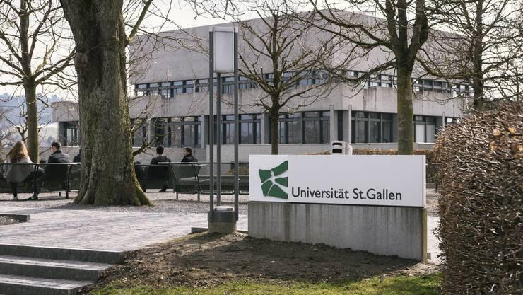 Die HSG war wegen Nebenjobs von Rektor und Professoren wiederholt in der Kritik gestanden.