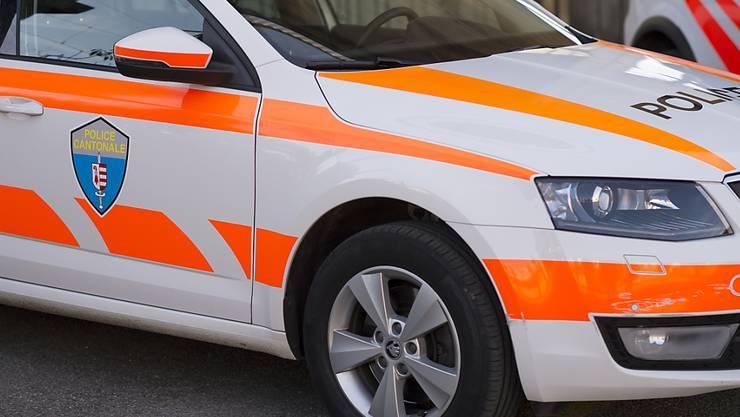 Ein fahrunfähiger Automobilist rammte in der Region Delsberg ausgerechnet ein Polizeiauto. (Symbolbild)