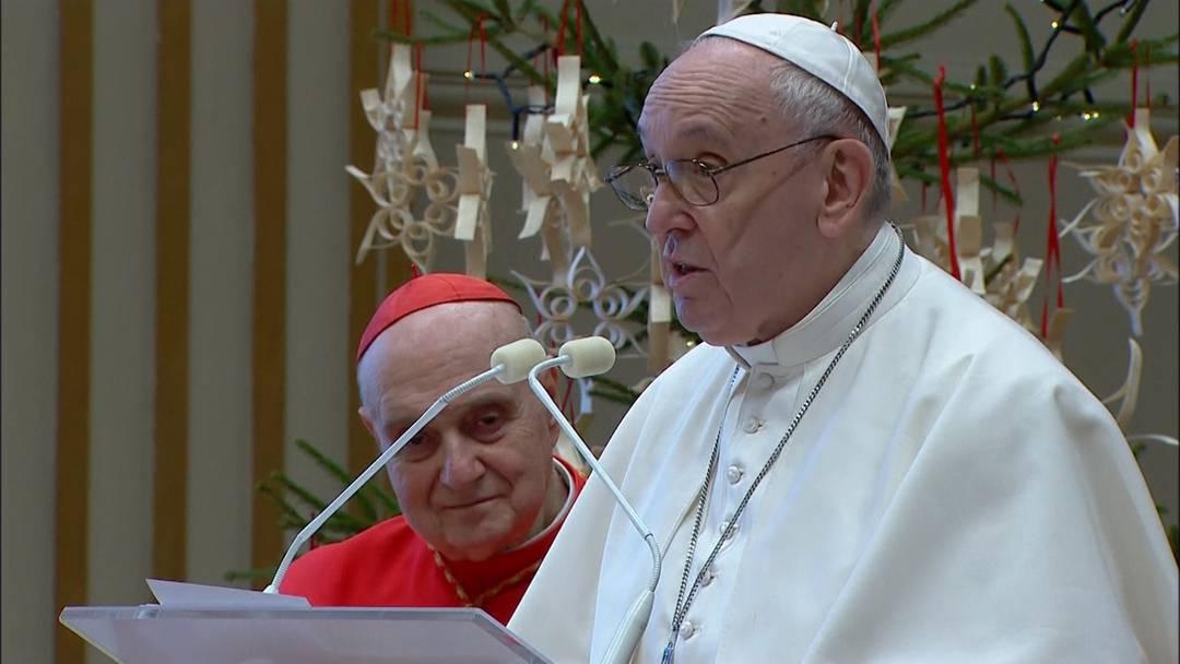 """""""Urbi et orbi"""": Papst segnet mit Frieden und Corona-Impfungen für alle"""