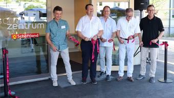 Adrian Kiener, Daniel Wehrli, Schulleiter Heinz Leuenberger, Dieter Fierz, Rolf Buchser (v.l.).