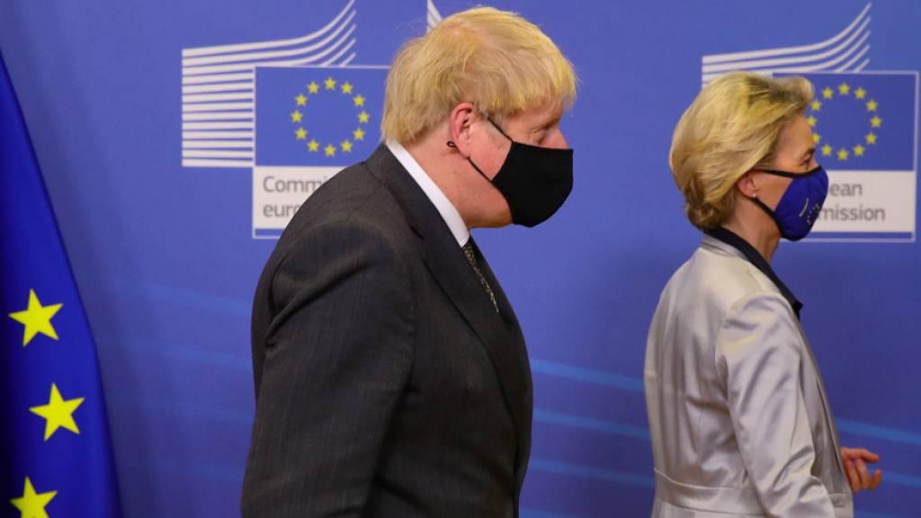 Ursula von der Leyen, Präsidentin der EU-Kommission, und Boris Johnson, Premierminister von Großbritannien. Foto: Aaron Chown/PA Wire/dpa