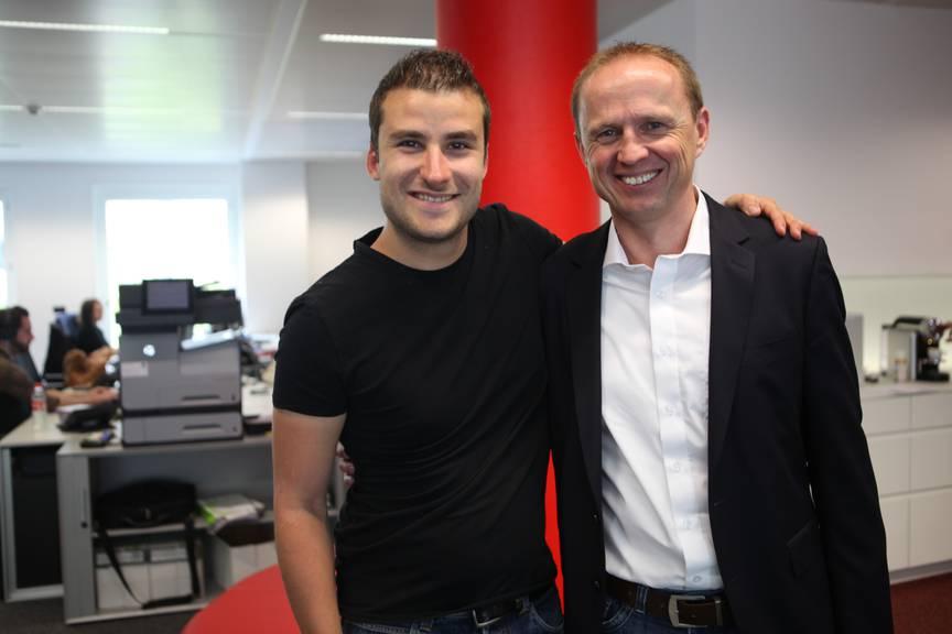 Kurt Betschart, technischer Direktor der Tour de Suisse (rechts) mit Radio Pilatus-Moderator Marco Zibung.
