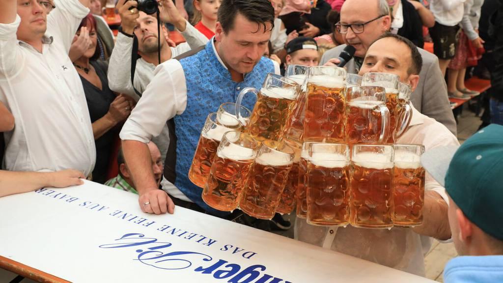 Keiner trägt so viel Bier