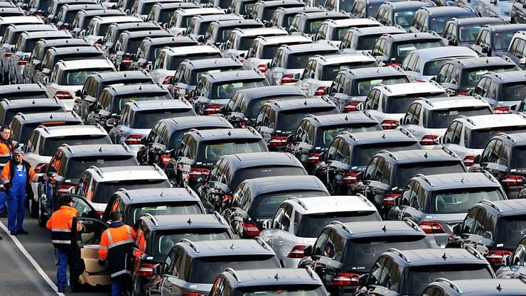 Im Juni sind deutlich mehr Autos in Europa verkauft worden. (Symbolbild)