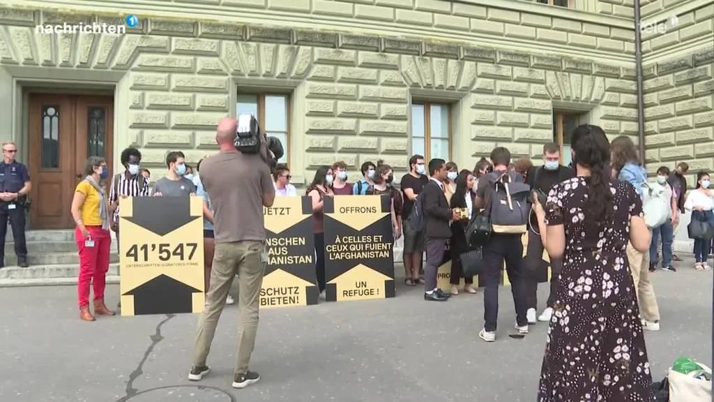 Flüchtlinge aus Afghanistan in der Schweiz aufnehmen