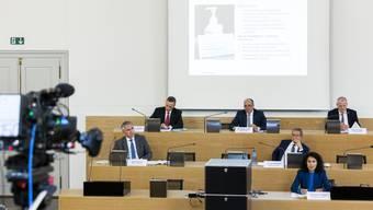 Der Regierungsrat zieht positive Zwischenbilanz zur Bewältigung der Coronakrise.