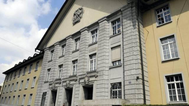 Der Eingang des Bezirksgerichts Zürich (Archiv)