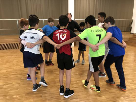 Spreitenbacher Schüler im Tanzworkshop, Foto: Stephan K. Haller