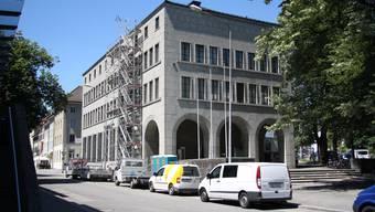 Das Bankgebäude der Crédit Suisse steckt mitten im Umbau.