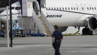 Der amerikanische Boeing-Konzern liefert derzeit keine Flugzeuge des Typs 737 Max mehr aus, weil unklar ist, was genau zu zwei Abstürzen bei diesen Modellen geführt hat.