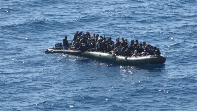 Bootsflüchtlinge vor Lampedusa (Archiv)