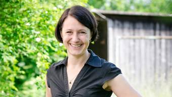 Connie Fauver mag es grün: Politisch und im Garten hinter ihrem Haus in Stilli.