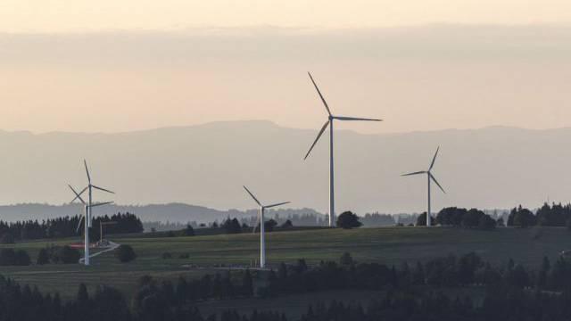 Windkraftanlagen auf dem Mont-Soleil im Berner Jura (Symbolbild)