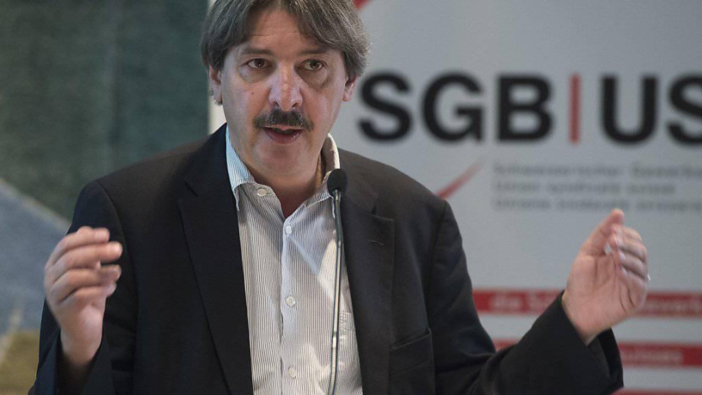 SGB-Präsident Paul Rechsteiner forderte vor den Delegierten einen besseren Schutz der Löhne bei der Erhaltung der Bilateralen.