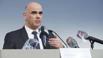 Bundesrat Alain Berset am Dienstag vor den Medien.