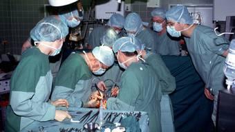 Über allfällige Spitalaufenthalte von illegalen Ausländern schreibt die Regierung: «Faktisch ist dies kein Thema.»