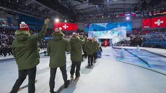 Die Schweizer Delegation beim Einlauf anlässlich der Eröffnungsfeier der 29. Winter-Universiade in der russischen Stadt Krasnojarsk