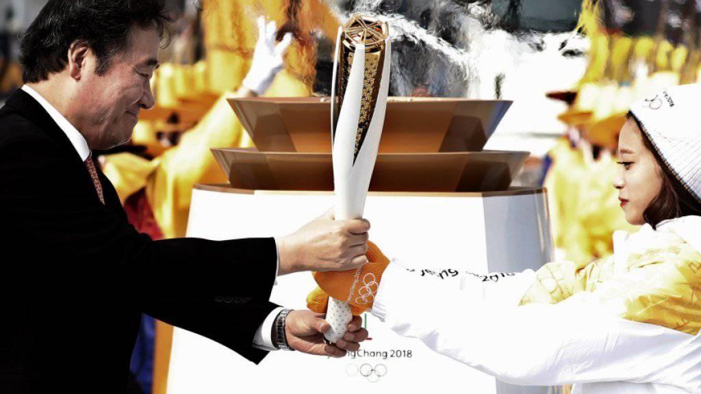 Die olympische Flamme ist in Südkorea eingetroffen