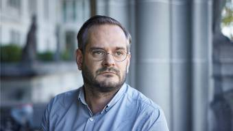 Autor Jonas Lüscher demonstriert diesen Samstag für ein gerechteres Europa. keystone