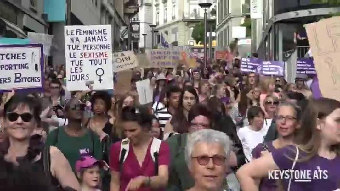 Frauenstreik: 40'000 in den Strassen von Lausanne
