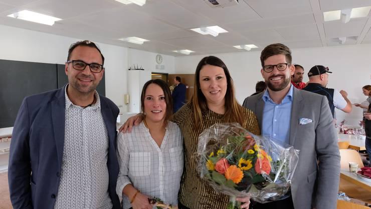 Sie haben eine Perspektive gesehen und die Chance genutzt: Attila Stanelle, Leiter der Fachstelle für Arbeitsintegration, Sabrina Schwarz, stellvertretende Leiterin der Vero-Moda-Filiale am Zürcher Limmatquai, Gaby El Daour, Personalleiterin bei Vero Moda und Sozialvorstand Philipp Müller (FDP).