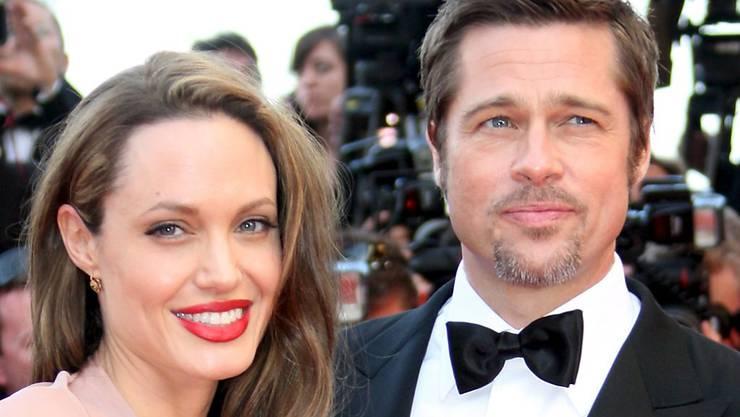 Ein Bild aus Zeiten als die Brangelina-Welt noch in Ordnung war - nun sind Angelina Jolie und Brad Pitt seit über zwei Jahren getrennt und haben eine Sorgerechtsvereinbarung erzielt.