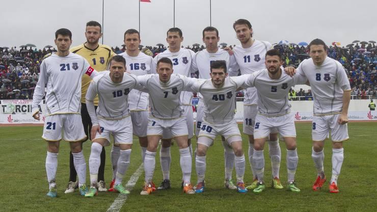 Die kosovarische Nationalmannschaft beim ersten Freundschaftsspiel 2014 gegen Haiti.