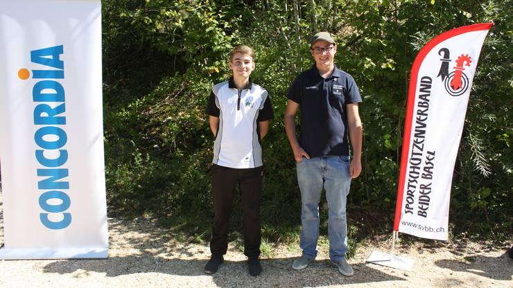 von links Luca Rüegg und Nils Born. Es fehlt Pascal Bertschi.