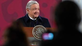 HANDOUT - Andres Manuel Lopez Obrador, Präsident von Mexiko, auf seiner täglichen Pressekonferenz. Foto: ---/Presidencia Mexico/dpa - ACHTUNG: Nur zur redaktionellen Verwendung und nur mit vollständiger Nennung des vorstehenden Credits