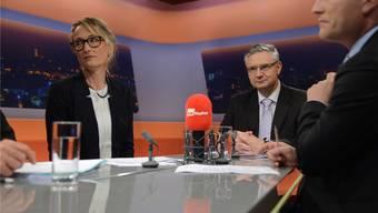 Beim Schlagabtausch zwischen Andreas Glarner und Susanne Hochuli ging es zu und her wie am Stubentisch. Sehen Sie die wichtigsten Momente im Zusammenschnitt oben oder die Sendung in voller Länge am Schluss des Artikels.