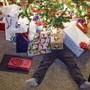 Kinder werden an Weihnachten zugedeckt mit Materiellem. Und mit der Zeit wird das Gehirn darauf programmiert.