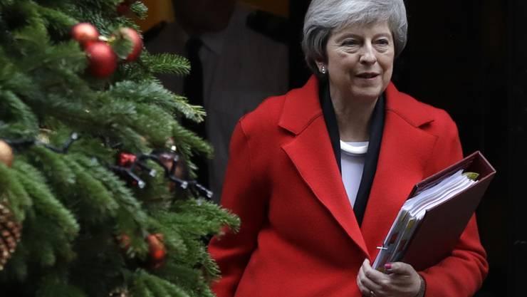 Die britische Premierministerin Theresa May will offenbar nicht am kommenden Sonntag an einem TV-Duell zur Verteidigung ihres Brexit-Abkommens teilnehmen.