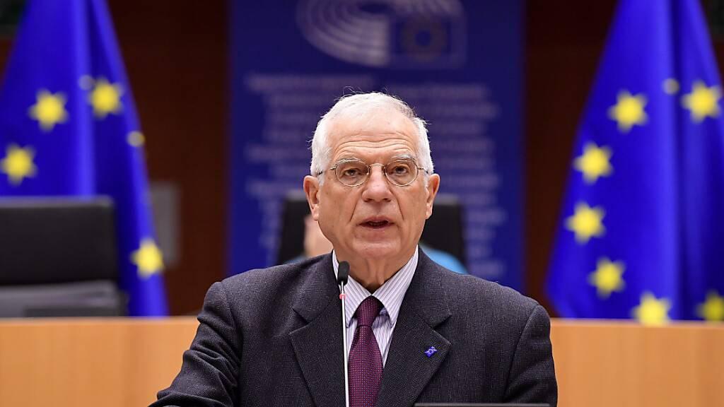 Der EU-Außenbeauftragte Josep Borrell spricht bei einer Sitzung des Europäischen Parlamentes über die Verhaftung von Kreml-Kritiker Nawalny. Foto: John Thys/AFP Pool/AP/dpa