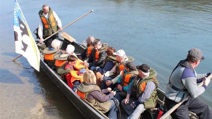 Ein Boot verband die Festwirtschaften in Stilli und Rheinsulz.si