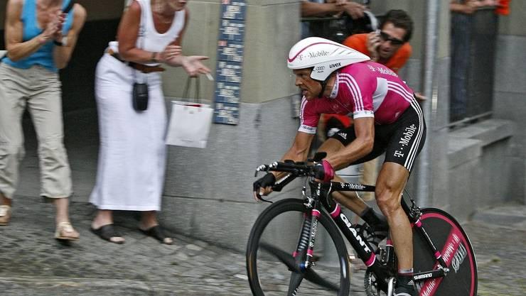 Der Spitzensportler gewann 1997 als bislang einziger deutscher Rennradfahrer die Tour de France, 2000 wurde er in Sydney Olympiasieger.