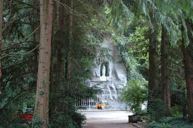 Die Lourdes-Grotte in Leuggern